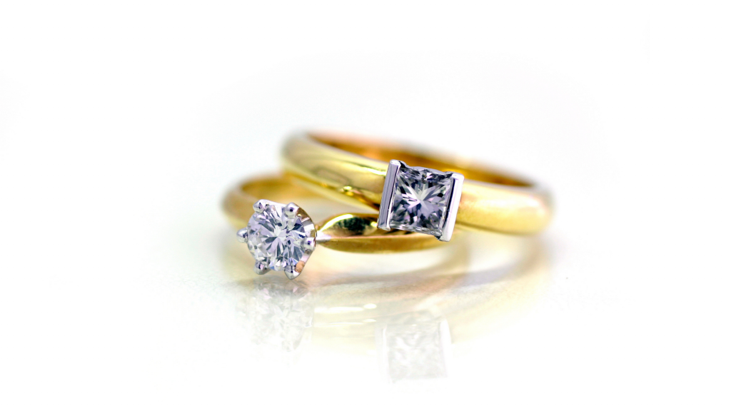 What Makes A Yellow Gold Engagement Ring Tacky?